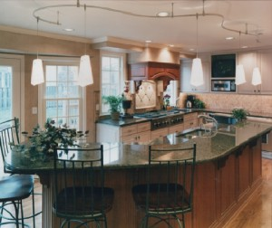 A kitchen built for entertaining -- all 7 daughters and their families!